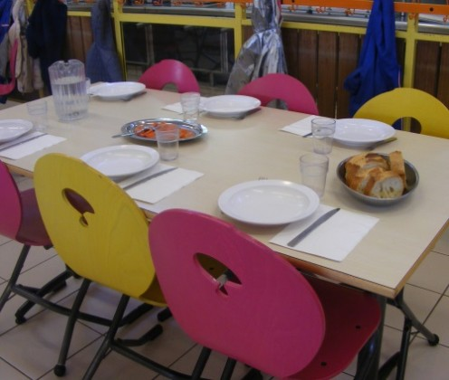 restaurant-scolaire-table-serent
